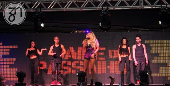 A cantora agitou o Espaço CUFA no retorno do Baile do Passinho | Foto: Fabiano Albergaria